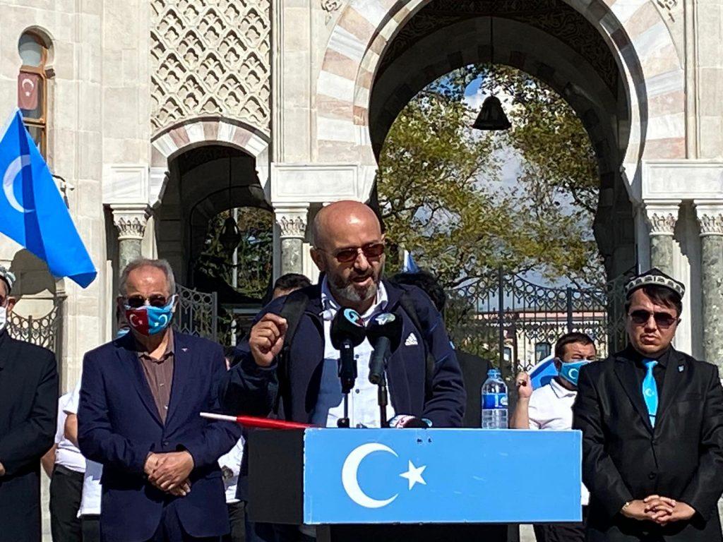 istanbuldiki-Uyghurlar-Hitaygha-karshi-namayish-ve-Ahbarat-elen-qilish-paaliyeti-elip-bardi-018-1024x768 İstanbul'da Doğu Türkistanlılardan Çin işgaline tepki