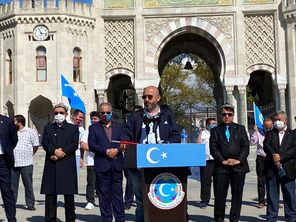 istanbuldiki-Uyghurlar-Hitaygha-karshi-namayish-ve-Ahbarat-elen-qilish-paaliyeti-elip-bardi-019-1024x768 İstanbul'da Doğu Türkistanlılardan Çin işgaline tepki