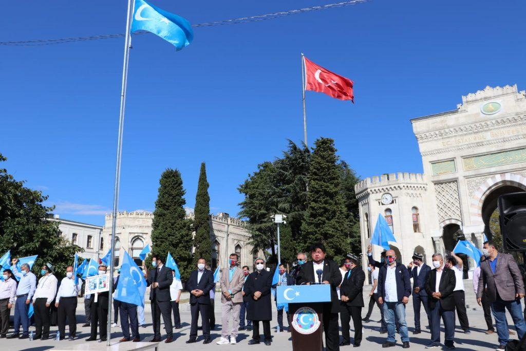 istanbuldiki-Uyghurlar-Hitaygha-karshi-namayish-ve-Ahbarat-elen-qilish-paaliyeti-elip-bardi-027-1024x683 İstanbul'da Doğu Türkistanlılardan Çin işgaline tepki