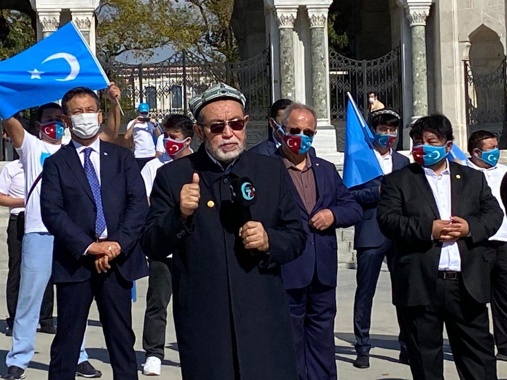 istanbuldiki-Uyghurlar-Hitaygha-karshi-namayish-ve-Ahbarat-elen-qilish-paaliyeti-elip-bardi022-1024x768 İstanbul'da Doğu Türkistanlılardan Çin işgaline tepki