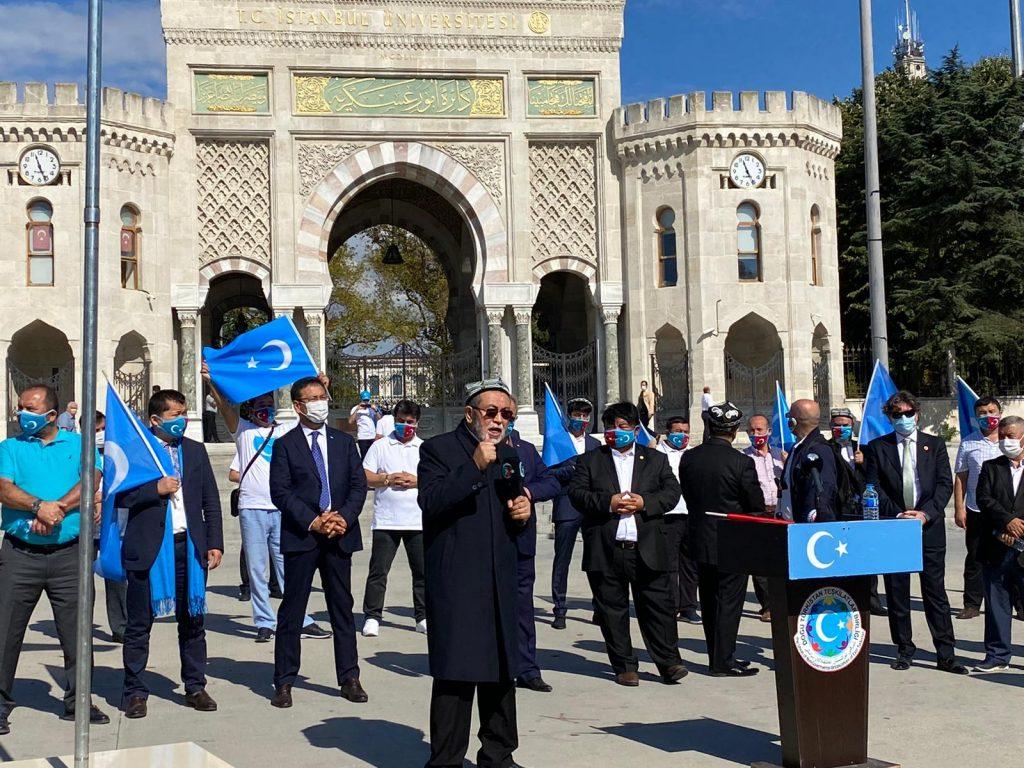 istanbuldiki-Uyghurlar-Hitaygha-karshi-namayish-ve-Ahbarat-elen-qilish-paaliyeti-elip-bardi023-1024x768 İstanbul'da Doğu Türkistanlılardan Çin işgaline tepki