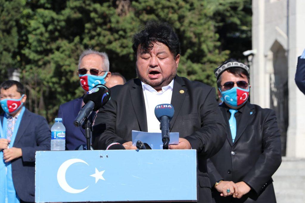 istanbuldiki-Uyghurlar-Hitaygha-karshi-namayish-ve-Ahbarat-elen-qilish-paaliyeti-elip-bardi024-1024x683 İstanbul'da Doğu Türkistanlılardan Çin işgaline tepki