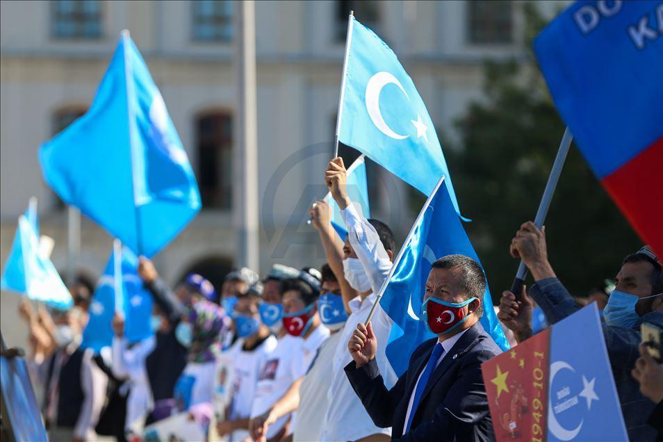 thumbs_b2_291496446400e681d4b2a82edebab3a4 İstanbul'da Doğu Türkistanlılardan Çin işgaline tepki