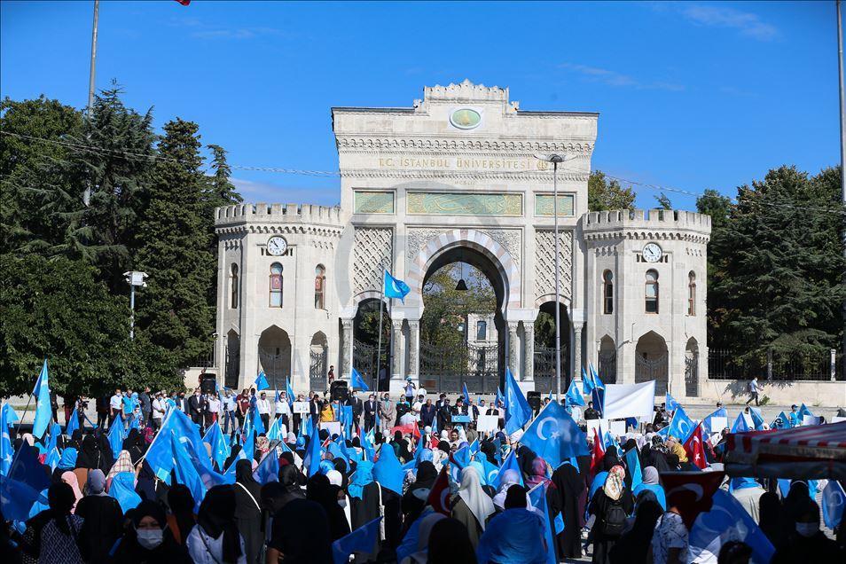 thumbs_b2_90ec670b30b8fa02d2ea9c86fd5404dc İstanbul'da Doğu Türkistanlılardan Çin işgaline tepki
