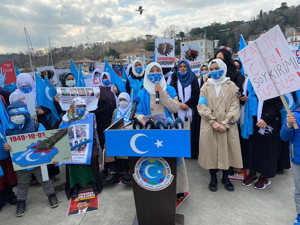 158631950_3805971156104543_31858869184568199_n Doğu Türkistan'da kadın olmak konulu Protesto ve Basın açıklaması gerçekleşti